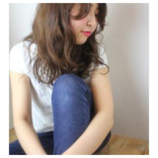 ロング グレージュ 外国人風 イルミナカラー ヘアスタイルや髪型の写真・画像