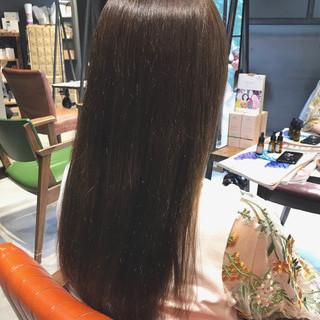 大人かわいい セミロング oggiotto ミルクティーグレージュ ヘアスタイルや髪型の写真・画像