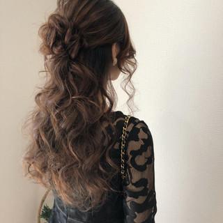 ロング ハーフアップ パーティ ヘアアレンジ ヘアスタイルや髪型の写真・画像