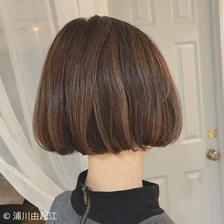 ミニボブ ボブ 切りっぱなしボブ デート ヘアスタイルや髪型の写真・画像