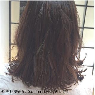 ミディアム フェミニン デート イルミナカラー ヘアスタイルや髪型の写真・画像