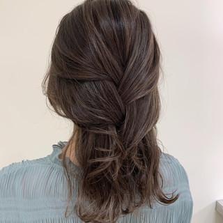 コントラストハイライト ゆる巻き ナチュラル アンニュイほつれヘア ヘアスタイルや髪型の写真・画像