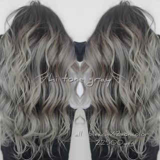バレイヤージュ ミルクティーグレージュ 外国人風カラー シルバーアッシュ ヘアスタイルや髪型の写真・画像