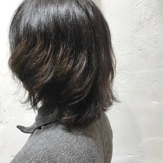 モード メンズカラー ナチュラルグラデーション ミディアム ヘアスタイルや髪型の写真・画像