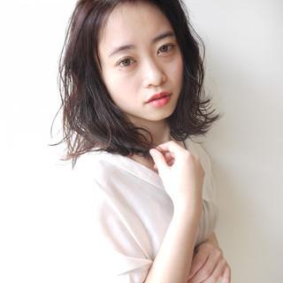 リラクシー 大人かわいい ミディアム 秋 ヘアスタイルや髪型の写真・画像