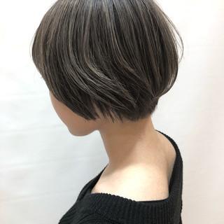 大人かわいい ミニボブ ハイライト ナチュラル ヘアスタイルや髪型の写真・画像 ヘアスタイルや髪型の写真・画像