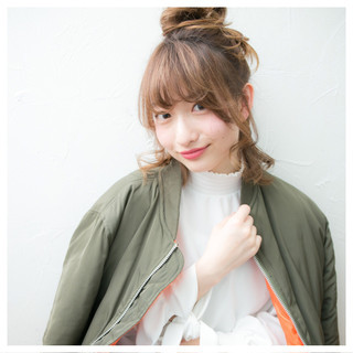 セミロング ナチュラル ヘアアレンジ ハーフアップ ヘアスタイルや髪型の写真・画像