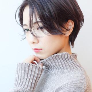 横顔美人 ショート ハンサムショート コンサバ ヘアスタイルや髪型の写真・画像