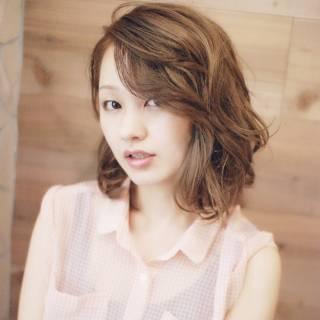 夏 カール ナチュラル 卵型 ヘアスタイルや髪型の写真・画像