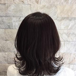 グレージュ アッシュ ミディアム ナチュラル ヘアスタイルや髪型の写真・画像