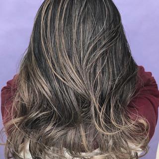 バレイヤージュ 3Dハイライト ストリート セミロング ヘアスタイルや髪型の写真・画像