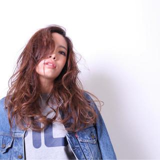 ハイライト かき上げ前髪 グラデーションカラー パーマ ヘアスタイルや髪型の写真・画像 ヘアスタイルや髪型の写真・画像