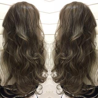 大人かわいい アッシュ コンサバ セミロング ヘアスタイルや髪型の写真・画像
