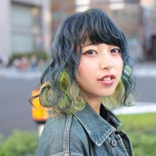 ダブルカラー ストリート ショートヘア インナーカラー ヘアスタイルや髪型の写真・画像