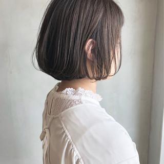 ボブ グラデーションカラー ミルクティーグレージュ グレージュ ヘアスタイルや髪型の写真・画像