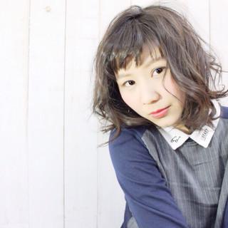 ライトベージュ ガーリー ミディアム 春 ヘアスタイルや髪型の写真・画像