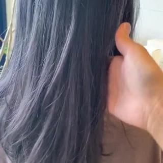 シルバーアッシュ ブリーチカラー シルバー 大人ロング ヘアスタイルや髪型の写真・画像