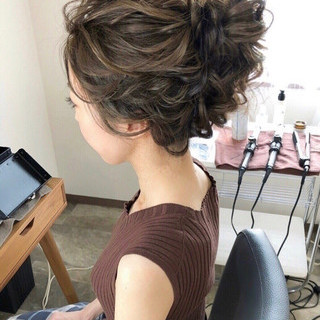 ヘアアレンジ おしゃれさんと繋がりたい セミロング 結婚式髪型 ヘアスタイルや髪型の写真・画像