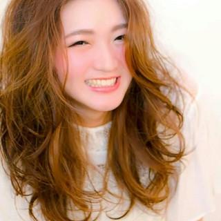 前髪あり ロング レイヤーカット 外国人風 ヘアスタイルや髪型の写真・画像