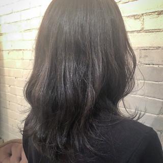 アッシュ 秋 セミロング アッシュグレー ヘアスタイルや髪型の写真・画像