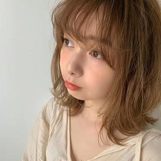 デート レイヤーカット キュート ミディアム ヘアスタイルや髪型の写真・画像