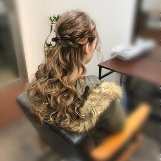 セミロング ヘアセット 結婚式 編み込み ヘアスタイルや髪型の写真・画像