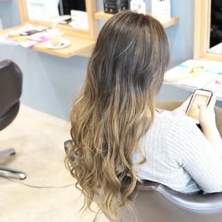 ロング ヘアアレンジ 外国人風カラー エレガント ヘアスタイルや髪型の写真・画像