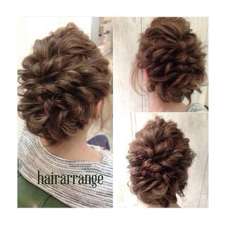 編み込み 波ウェーブ アップスタイル 大人女子 ヘアスタイルや髪型の写真・画像