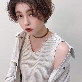 アンニュイ センターパート ナチュラル ニュアンスヘア ヘアスタイルや髪型の写真・画像 | 阿久津 ゆり。 /