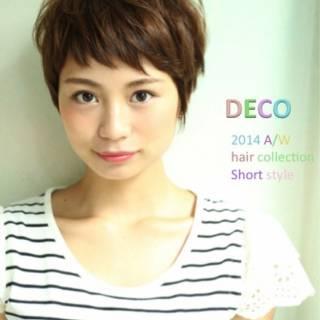 ショート ストレート 小顔 ナチュラル ヘアスタイルや髪型の写真・画像 ヘアスタイルや髪型の写真・画像