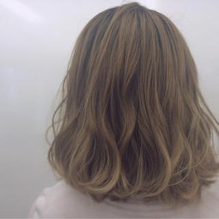 ストリート ねじり 巻き髪 ボブ ヘアスタイルや髪型の写真・画像