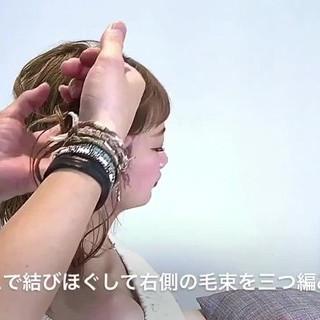セミロング アウトドア 編み込み フェミニン ヘアスタイルや髪型の写真・画像