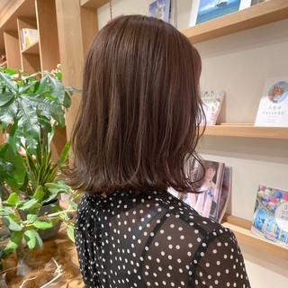 ベージュ ヌーディベージュ 切りっぱなしボブ 透明感カラー ヘアスタイルや髪型の写真・画像