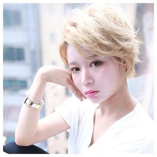 色気 ウルフカット ナチュラル 小顔 ヘアスタイルや髪型の写真・画像