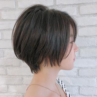 ナチュラル 小顔 大人女子 ショート ヘアスタイルや髪型の写真・画像 ヘアスタイルや髪型の写真・画像