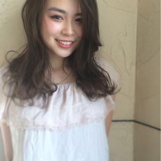 夏 フェミニン ロング ナチュラル ヘアスタイルや髪型の写真・画像
