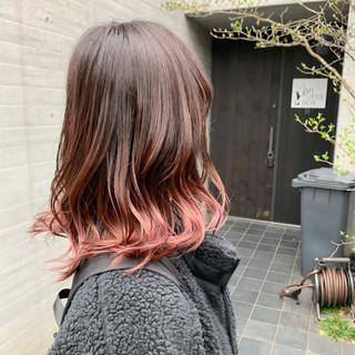 フェミニン ピンク グラデーションカラー ピンクベージュ ヘアスタイルや髪型の写真・画像