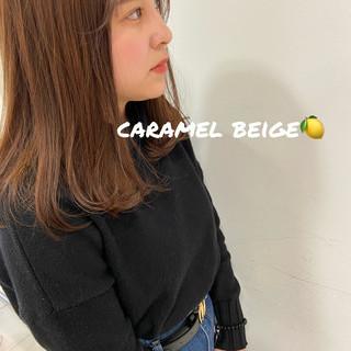 ミディアム モカベージュ ナチュラル ヘアカラー ヘアスタイルや髪型の写真・画像