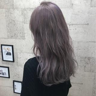 ロング ブリーチ ハイトーン 外国人風カラー ヘアスタイルや髪型の写真・画像 ヘアスタイルや髪型の写真・画像