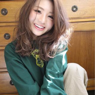 美シルエット ひし形 フェミニン セミロング ヘアスタイルや髪型の写真・画像