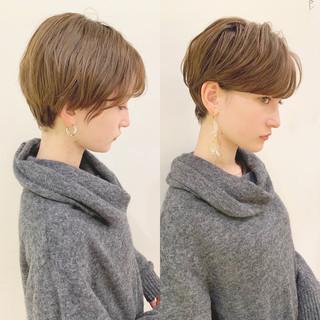 デート オフィス パーマ モード ヘアスタイルや髪型の写真・画像 ヘアスタイルや髪型の写真・画像