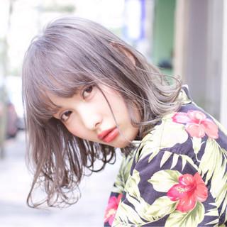 ストリート 前髪あり ミディアム ミルクティー ヘアスタイルや髪型の写真・画像