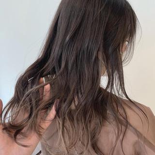 外国人風カラー アッシュグレージュ ミルクティーベージュ ナチュラル ヘアスタイルや髪型の写真・画像