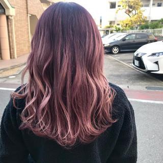 フェミニン ロング ブリーチカラー ピンクアッシュ ヘアスタイルや髪型の写真・画像