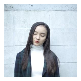 黒髪 ロング ナチュラル センターパート ヘアスタイルや髪型の写真・画像