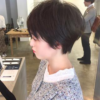 大人ショート ハンサムショート ナチュラル 小顔ショート ヘアスタイルや髪型の写真・画像