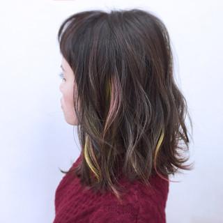 暗髪 大人女子 インナーカラー ミディアム ヘアスタイルや髪型の写真・画像