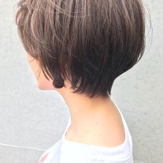 ベリーショート アッシュグレージュ ナチュラル グレーアッシュ ヘアスタイルや髪型の写真・画像