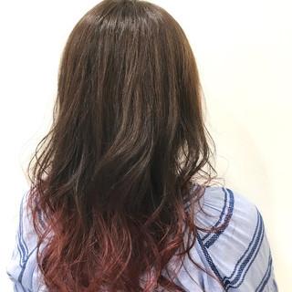 ピンク セミロング グラデーションカラー フェミニン ヘアスタイルや髪型の写真・画像 ヘアスタイルや髪型の写真・画像