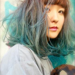 ストレート セミロング 大人かわいい グラデーションカラー ヘアスタイルや髪型の写真・画像